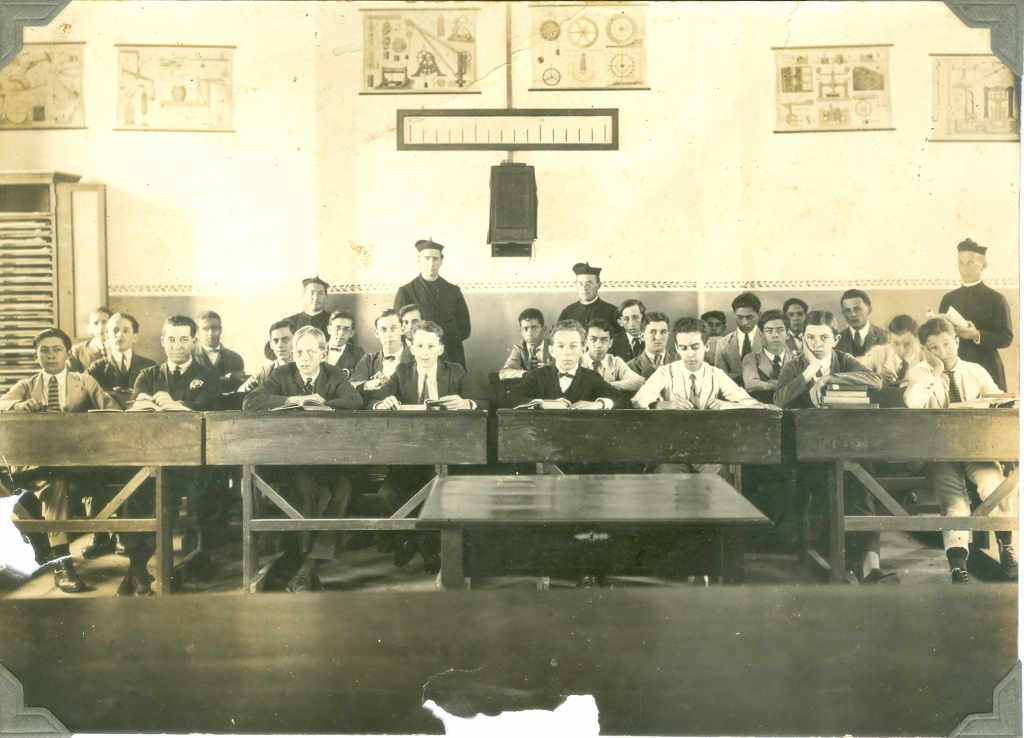 1940 - antigo gabinete de Física e Química