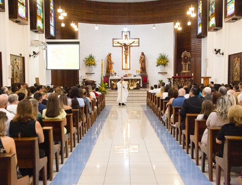 Alunos do CC recebem o Sacramento da Primeira Eucaristia