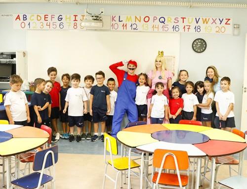 Alunos do Ensino Infantil e do primeiro ano do Ensino Fundamental do CC se divertem com personagens de games